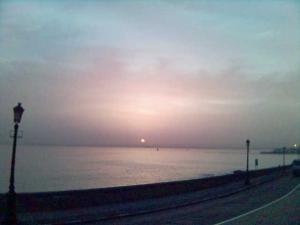 Voilà le soleil d'Alger – Tedj Deramchi.